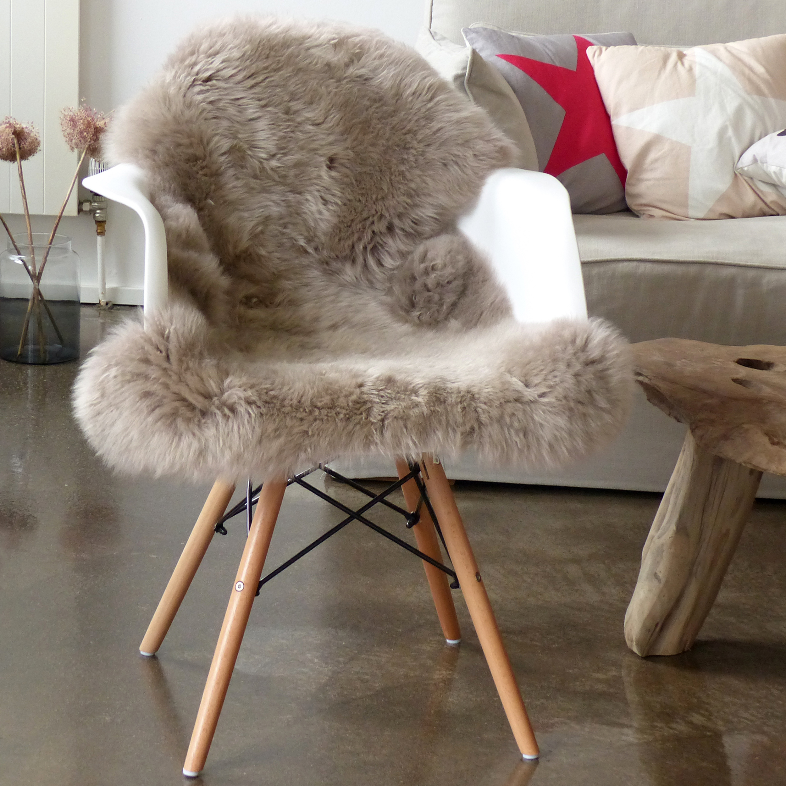 dekofell affordable schaffell teppich schaffell teppich. Black Bedroom Furniture Sets. Home Design Ideas